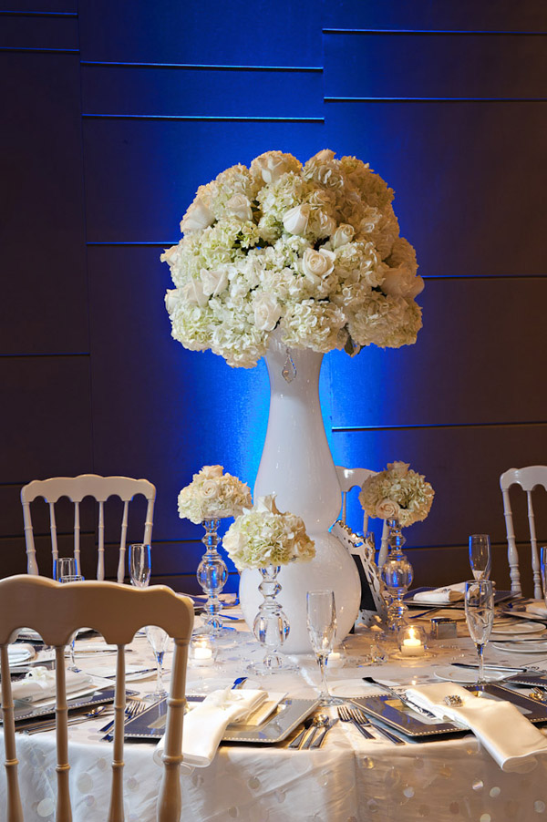 modern chic wedding at the W Hotel Miami photographed by Maloman Photographers