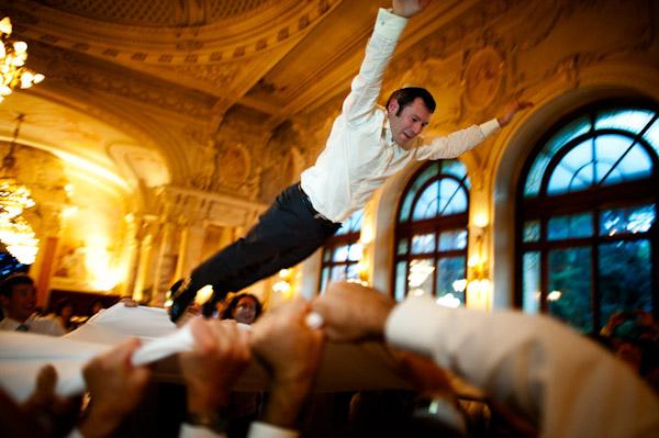 wedding reception dance photo by Magnus Bogucki