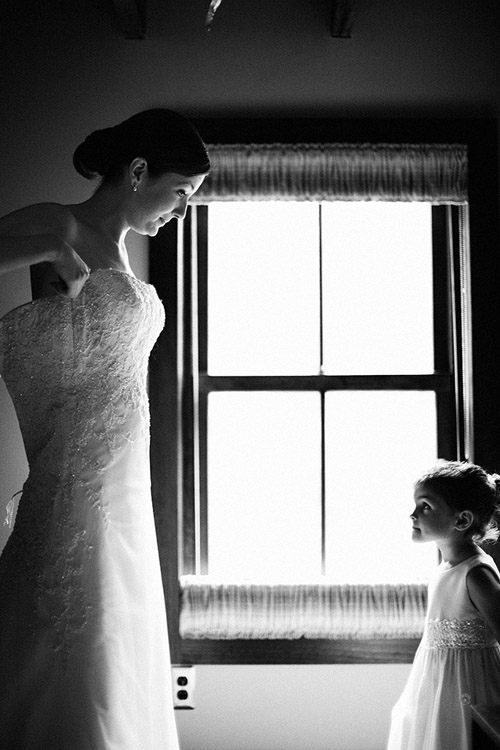 A beautiful bride getting ready for her wedding, image by Poser : Image