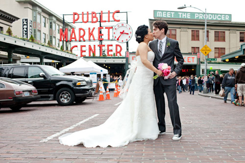 Springtime City Wedding in Seattle, Photos by Persimmon Images