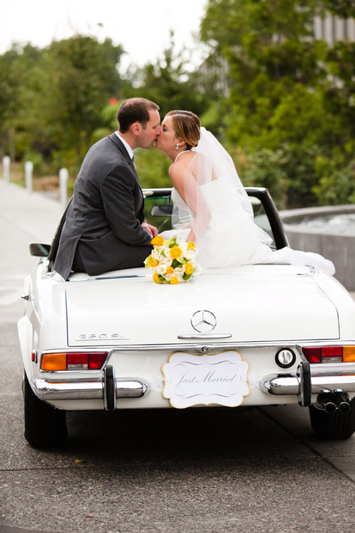 Wedding Portrait with vintage Mercedes Benz, photo by The Popes