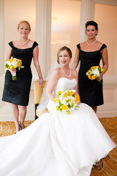 modern wedding with bright yellow details, photo by The Popes