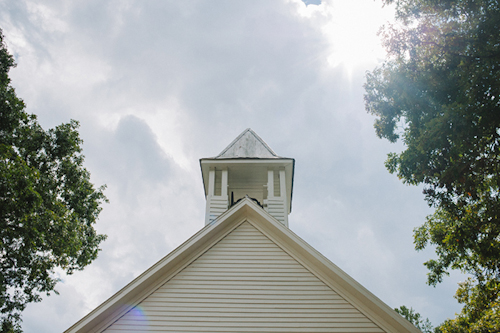 Cades Cove National Park wedding at Primitive Baptist Church, photos by Dixie Pixel Photography | junebugweddings.com