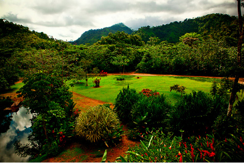 Costa Rica rain forest destination wedding - photos by southern california wedding photographers Beautiful Day Photography