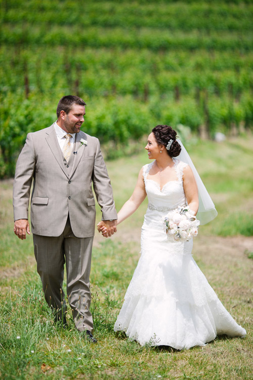vintage metallic vineyard wedding in Michigan, photo by Dan Stewart Photography | via junebugweddings.com