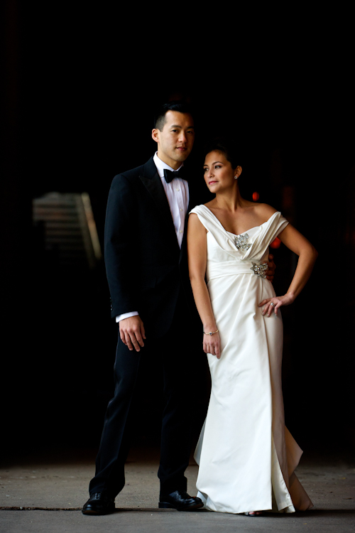 Classic downtown Chicago wedding at The Ivy Room - photos by David Wittig Photography | junebugweddings.com