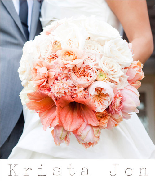 Peach ombre bridal bouquet by Krista Jon; photo by Paula Luna of Luna Photo | junebugweddings.com
