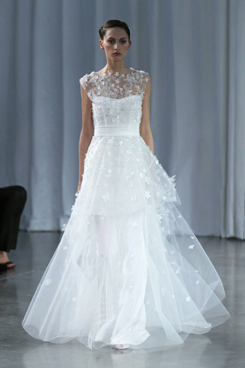 Monique Lhuillier Wedding Dress From Her Fall 2017 Bridal Collection Runway Show Via Junebugweddings