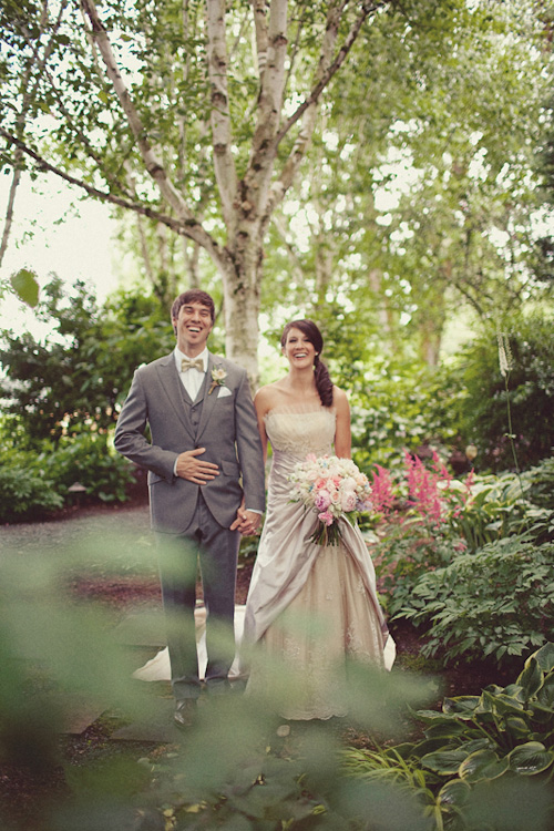 DIY outdoor Seattle wedding, private residence, Woodinville - wedding photos by Seattle-based One Love Photo | Junebug Weddings