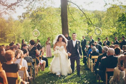 Outdoor farm wedding in asheville nc junebug weddings for Wedding dresses asheville nc