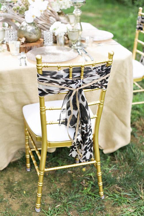 Safari wedding inspiration photos by kay english junebug weddings - Cheetah print centerpieces ...