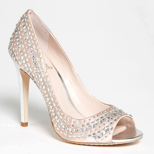 sparkly bridal and holiday shoes | via junebugweddings.com