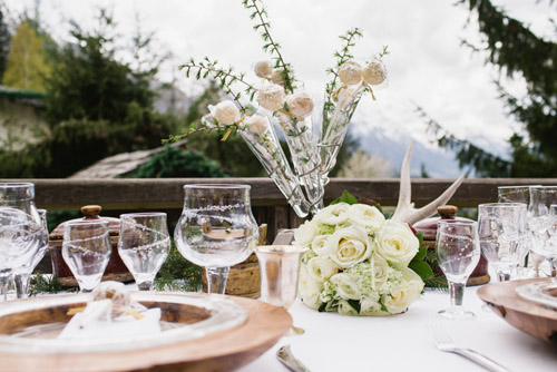 winter wedding inspiration in the Swiss Alps from Smetona Photo and Haute Weddings | via junebugweddings.com