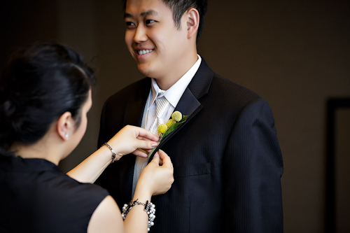 /img/whatjunebugloves/january2012/trump-international-hotel-and-tower-chicago-wedding-wasio-photography-10.jpg | junebugweddings.com