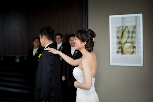 /img/whatjunebugloves/january2012/trump-international-hotel-and-tower-chicago-wedding-wasio-photography-15.jpg | junebugweddings.com