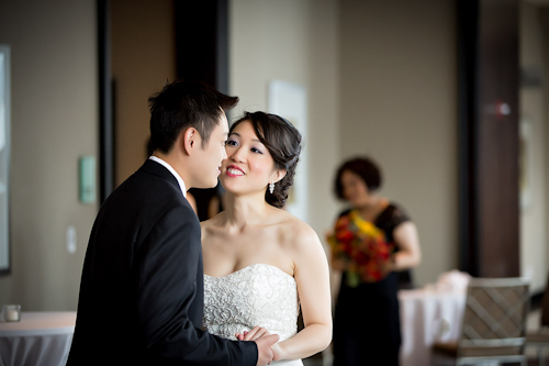 /img/whatjunebugloves/january2012/trump-international-hotel-and-tower-chicago-wedding-wasio-photography-16.jpg | junebugweddings.com