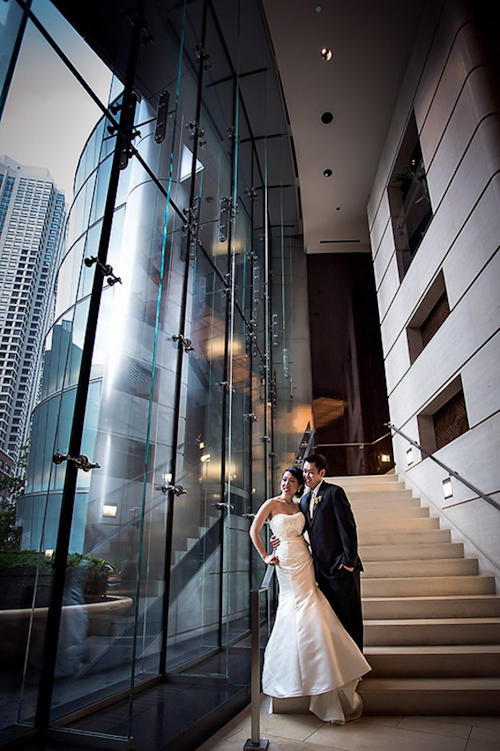 /img/whatjunebugloves/january2012/trump-international-hotel-and-tower-chicago-wedding-wasio-photography-17.jpg | junebugweddings.com