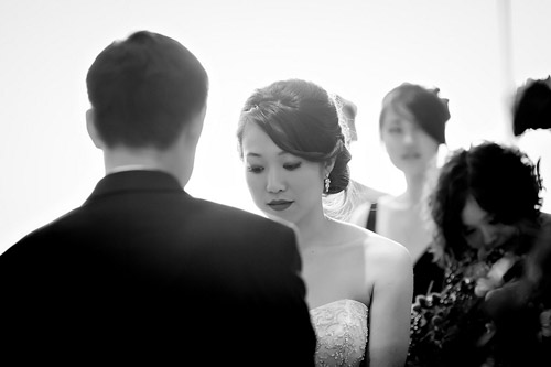 /img/whatjunebugloves/january2012/trump-international-hotel-and-tower-chicago-wedding-wasio-photography-27a.jpg | junebugweddings.com
