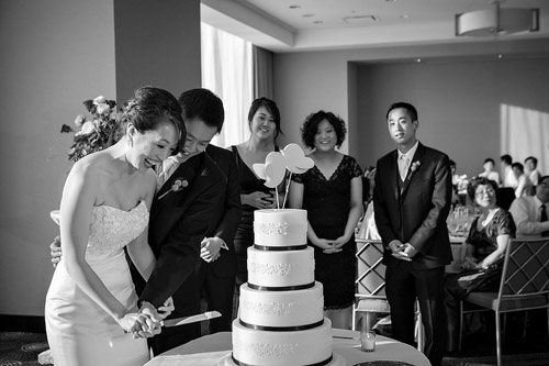 /img/whatjunebugloves/january2012/trump-international-hotel-and-tower-chicago-wedding-wasio-photography-38a.jpg | junebugweddings.com