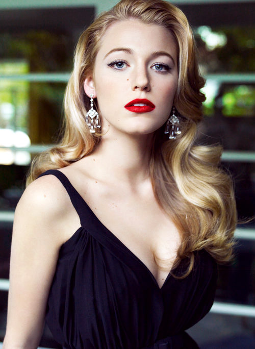 Blake Lively With Clic Red Lipstick Photo By Mario Testino For Vogue Magazine