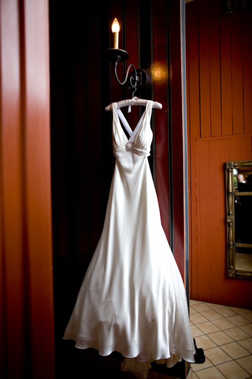 Beautiful Wedding Dress - photo by John and Joseph Photography | Junebug Weddings
