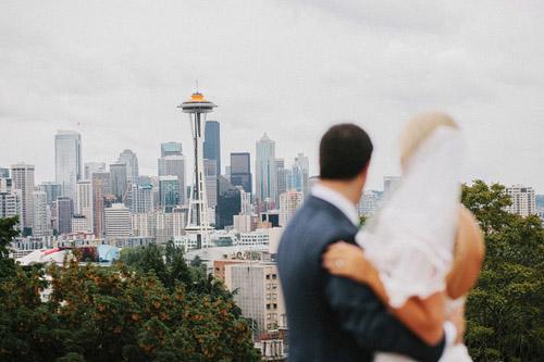 Colorful modern Seattle wedding, photos by Benj Haisch | Junebug Weddings