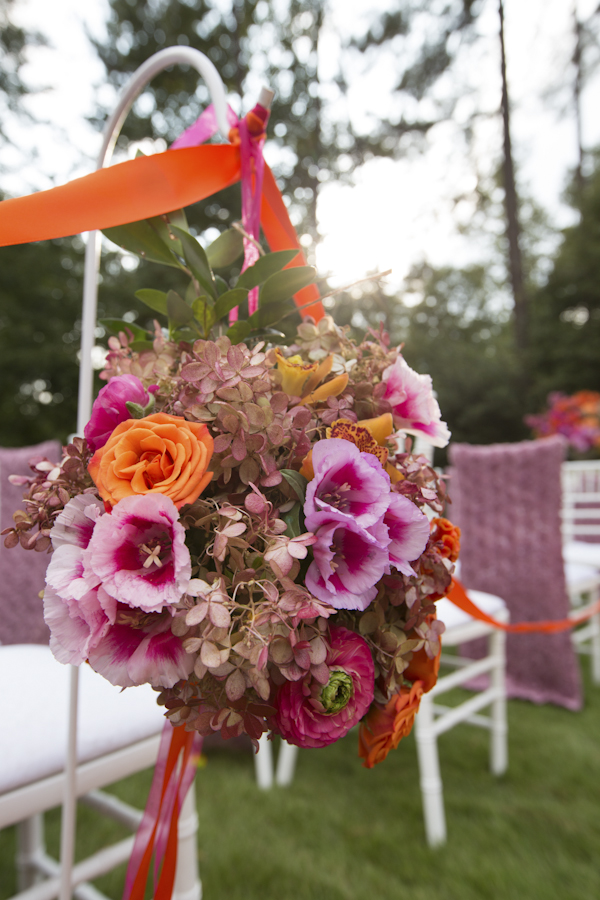 Christopher Confero Designs bright colored wedding in Alabama, photos by Wynter Photography | via junebugweddings.com