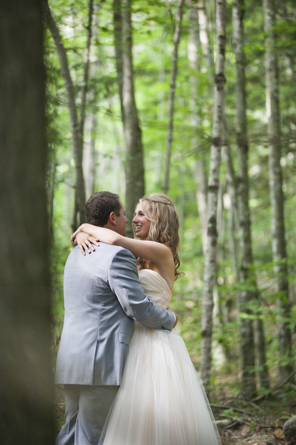Maine wedding at Camp Takajo, photos by Adam Sjöberg and Nathan Smith for Ira Lippke Studios | via junebugweddings.com