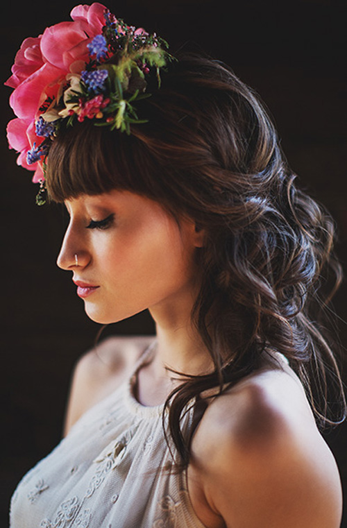 bohemian bridal style - floral wedding hair accessory by Ashlilium, photo by Erik Clausen | junebugweddings.com