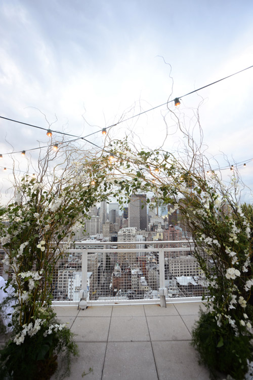 Chic wedding at the Mondrian Soho in NYC Photos by Andrea and Marcus Photography | junebugweddings.com
