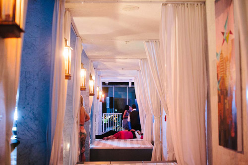 Modern chic wedding at the Viceroy Miami, photo by Becca Borge Photography | junebugweddings.com