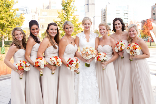 Downtown Chicago wedding at Loft on Lake - photos by Becky Brown Photography | junebugweddings.com