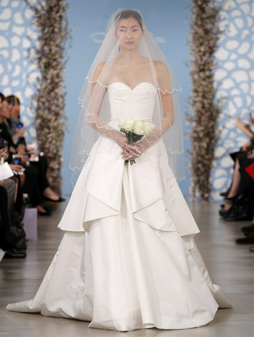 Stunning Oscar De La Renta Wedding Dress 500 x 664 · 92 kB · jpeg