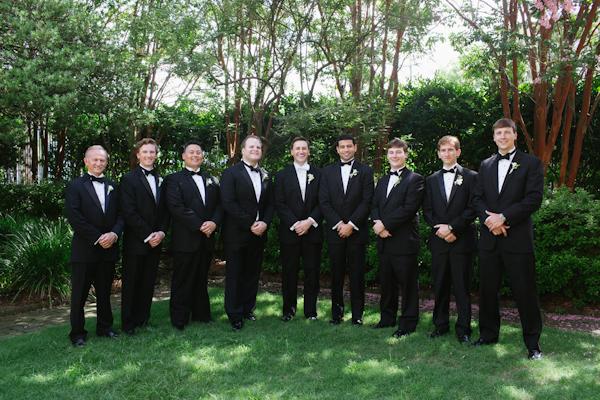 wedding at The William Aiken House in Charleston, South Carolina with photos by Paige Winn Photo | via junebugweddings.com