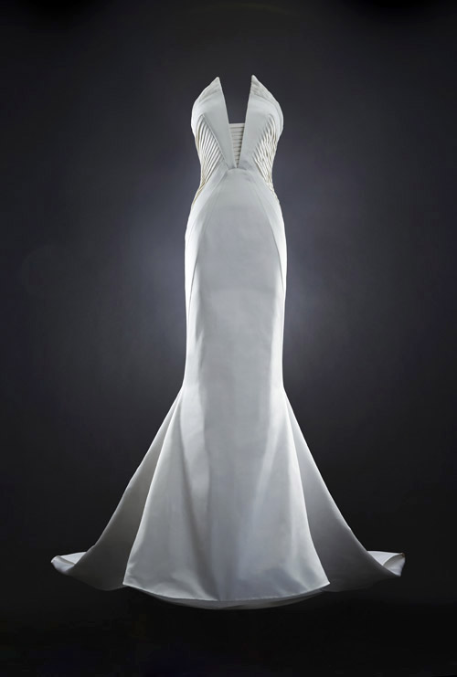 modern couture wedding dress by Rubin Singer, 2014 bridal collection | via junebugweddings.com