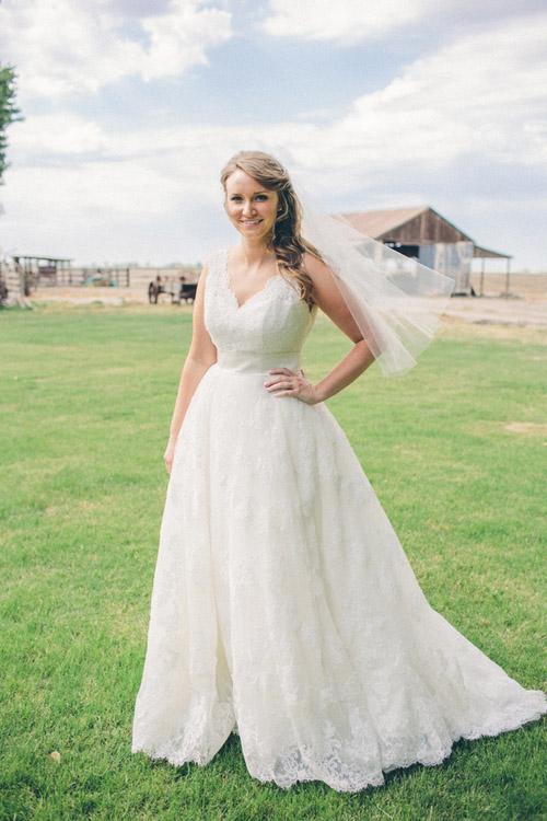 Wedding Dresses California 4 Spectacular rustic cream and burlap