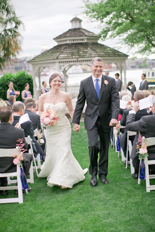 Southern wedding at The Westin Savannah Harbor, photos by Harwell Photography | via junebugweddings.com