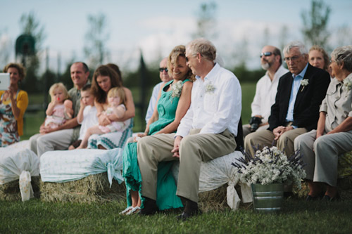 Vintage backyard farm wedding in South Dakota - photos by Bryan and Mae | via junebugweddings.com