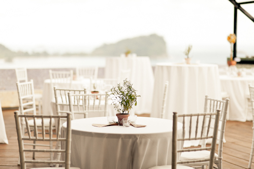 wedding at Punto De Vista with photos by A Brit and a Blonde | junebugweddings.com