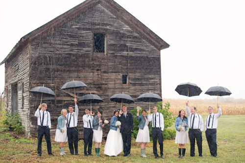 Barn wedding with woodland decor by Kelly Sweet Photography | junebugweddings.com