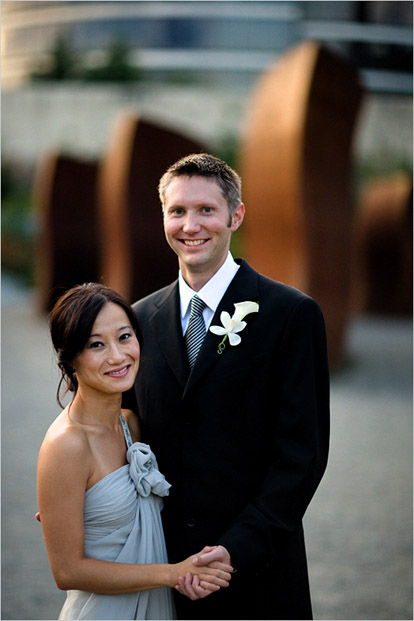 Bradley Hanson Photography, modern wedding at the Olympic Sculpture Park, Downtown Seattle