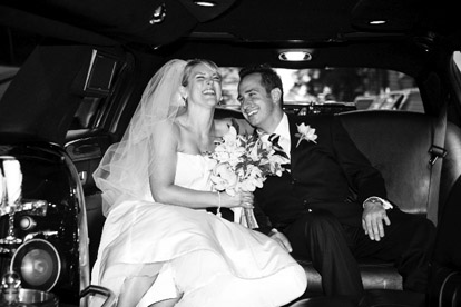 Downtown Seattle wedding limo ride, image by One Thousand Words Photography