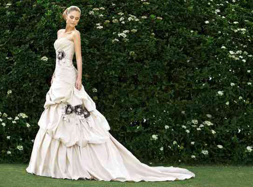 Essence of Australia bridal collection at La Belle Reve