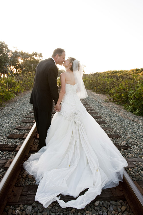Rustic and elegant Santa Barbara real wedding at Rancho Dos Pueblos, photos by Halberg Photographers