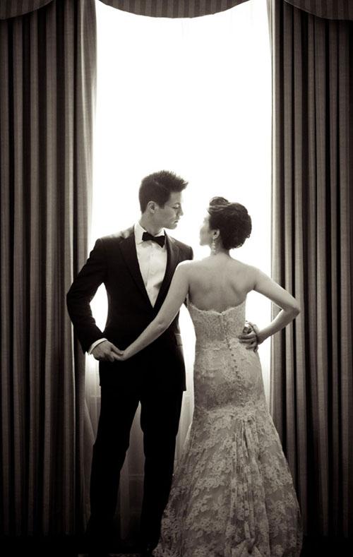 Elegant Wedding Photography: Elegant Glamorous White And Red Wedding At Maguire Gardens
