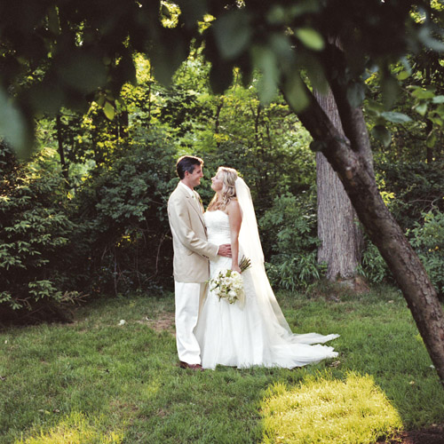 elegant backyard wedding in New Canaan, Connecticut, photos by Karen Hill Photography