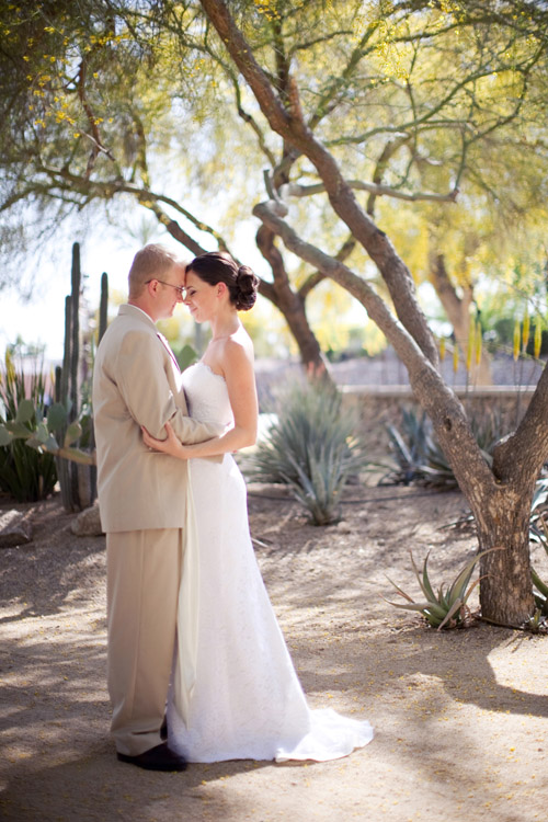 champagne and raspberry color palette, destination real wedding, Scottsdale, Arizona, images by Melissa Jill Photography