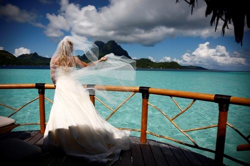 Bora bora pearl resort spa wedding venue french polynesia about this artist junglespirit Choice Image