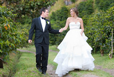 Vineyard wedding photo by Mafe Fernandez Photography