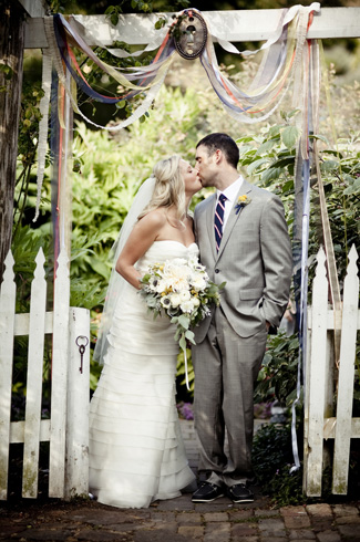 Nautical wedding at Roche Harbor Resort with photos by Laurel McConnell Photography